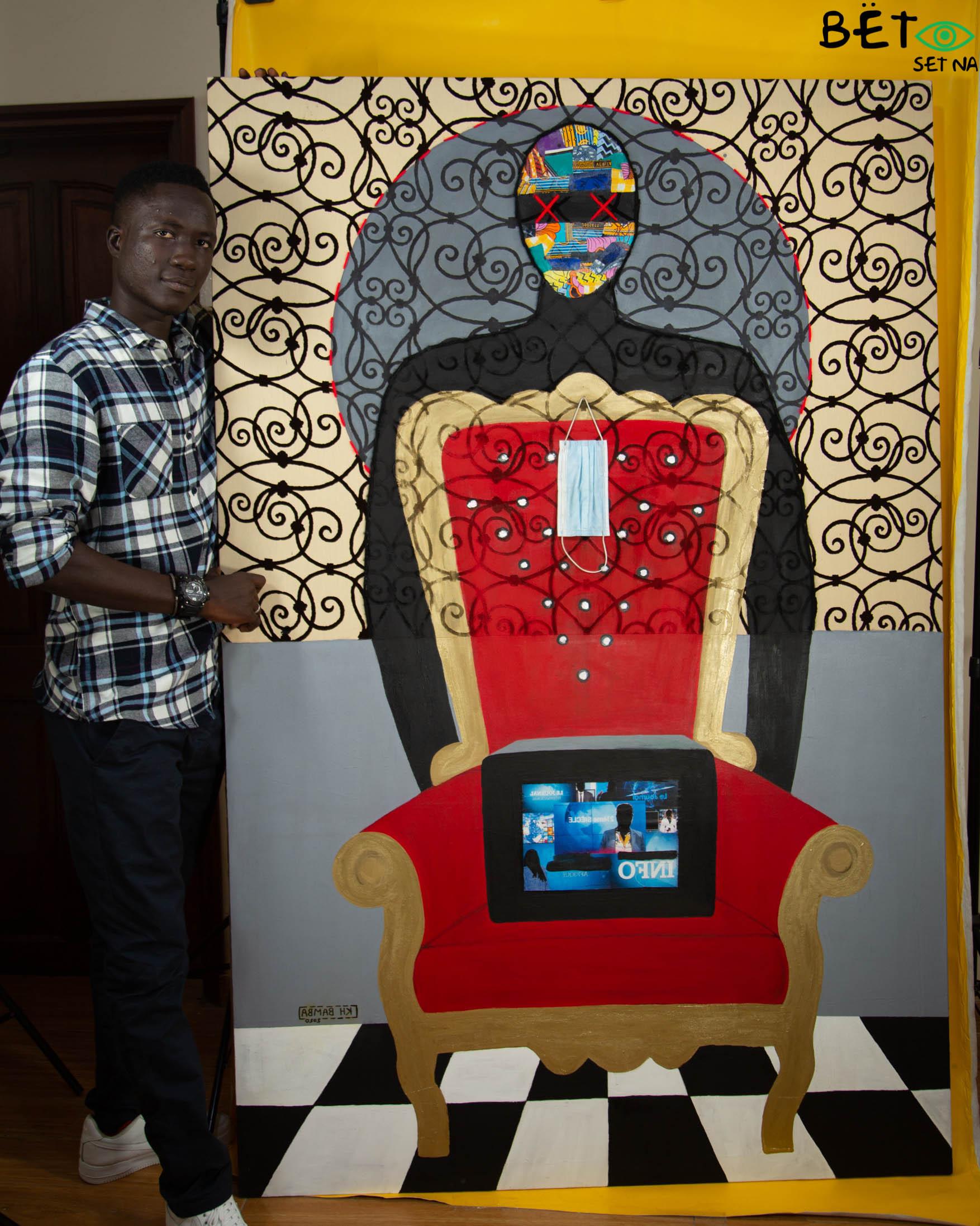 Kh Bamba avec son oeuvre