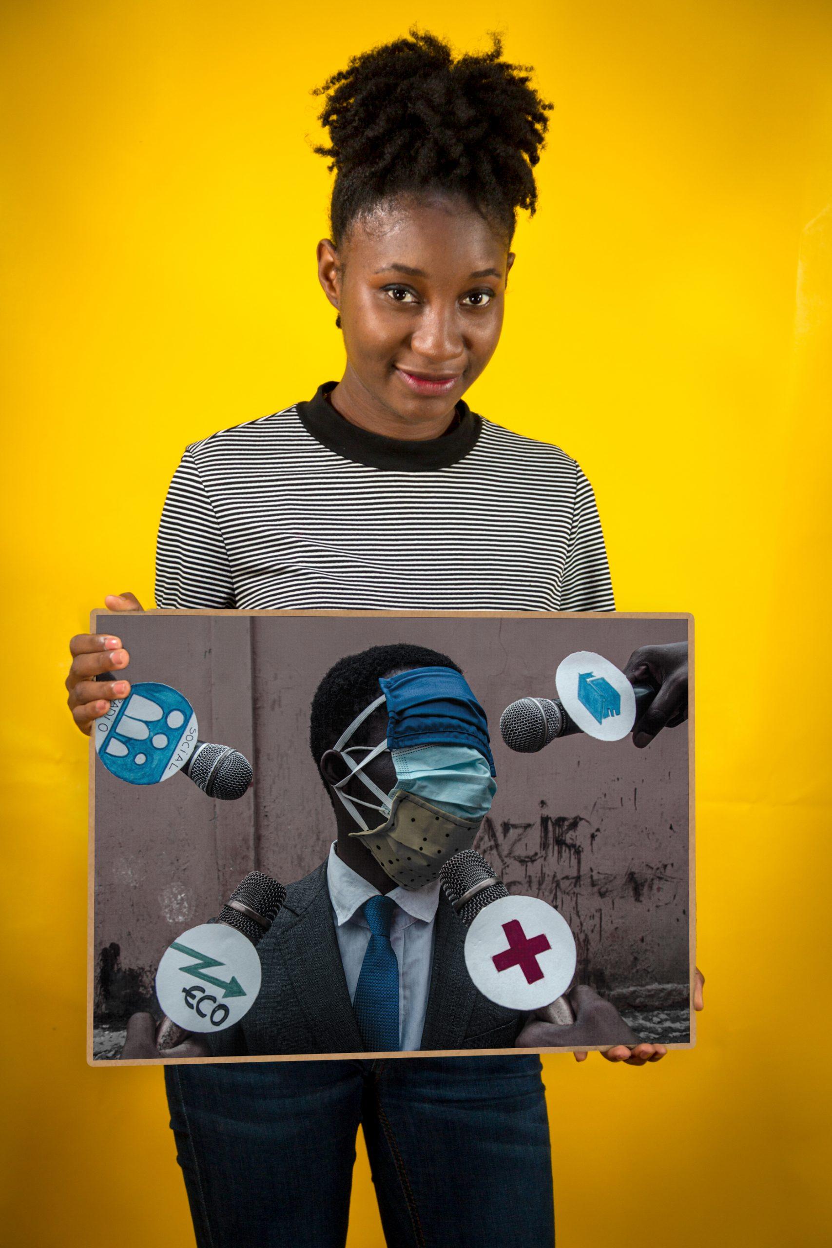 Samuelle Paul Banga avec son oeuvre